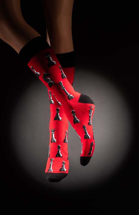 Veselé pánské ponožky šachy Kasparov černočervené